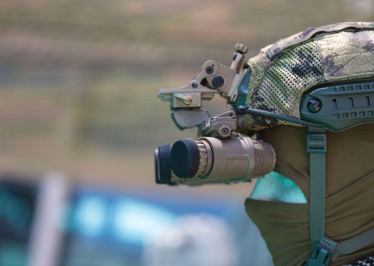 military binoculars and gear